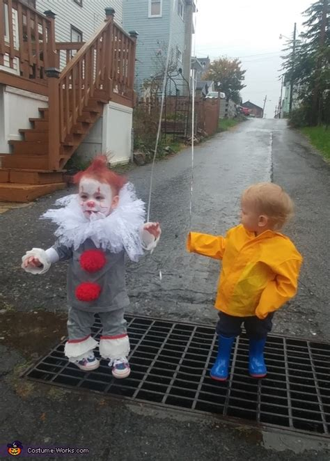pennywise  georgie twins halloween costume