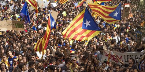 barcelona dan catalan catalonia refuses to halt independence referendum defying