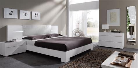 imagenes cuartos oscuros combinaciones de colores para un dormitorio