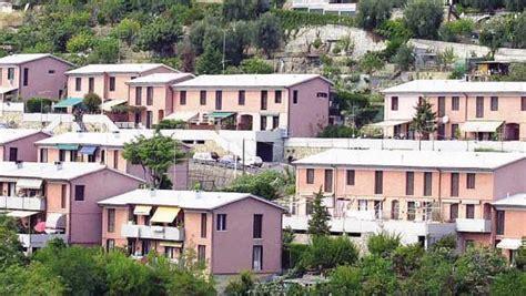 occupare casa popolare disoccupato occupa illegalmente una casa popolare per
