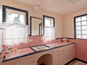 Retro Pink Bathroom Ideas Five Vintage Pastel Bathrooms In This Lovely 1942 Capsule House Portland Oregon 13 Photos