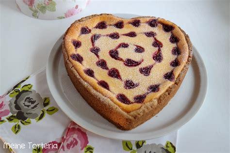 valentinstag kuchen in herzform valentinstag special herziger k 228 sekuchen meine torteria
