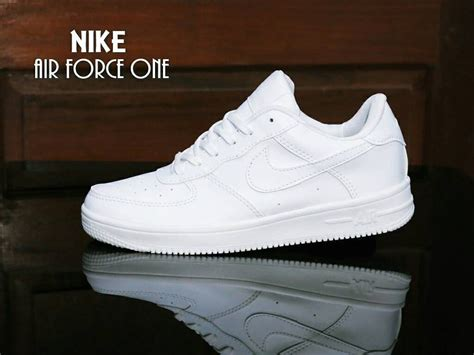 Sepatu Murah Nike One High Wanita Putih jual sepatu sport nike one white putih casual sneakers cewek di lapak dmoniew dmoniew