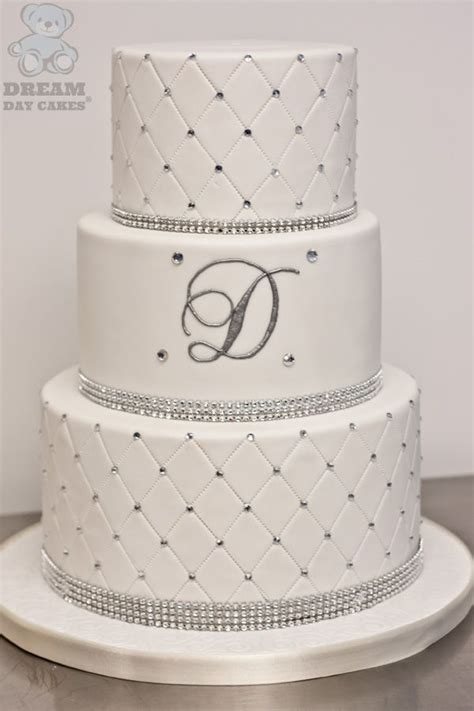 Elaborate Wedding Cakes by 25 Best Ideas About Bling Cakes On Silver