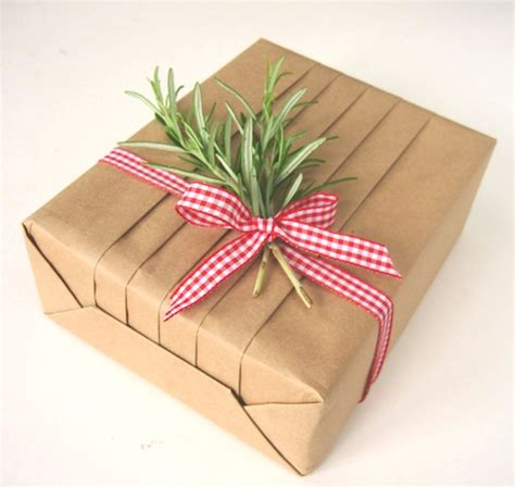 gift wrapping tips 10 recycling eco friendly gift wrapping ideas means