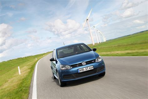 volkswagen front view 2013 volkswagen 2dr polo bluegt driving front view