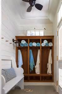 Pool House Bathroom Ideas 25 Best Ideas About Pool Bathroom On Pinterest Outdoor