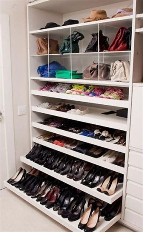 cabina armadio scarpe organizzazione borse e scarpe nella cabina armadio