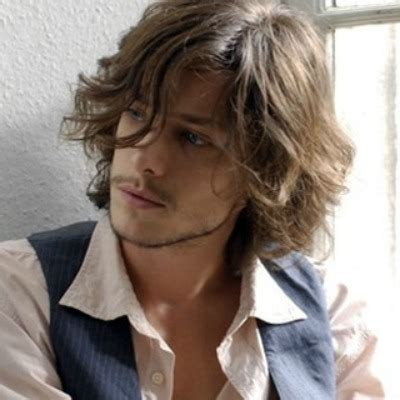 the best curly/wavy hair styles and cuts for men | the