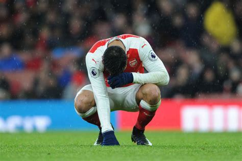 alexis sanchez crying alexis sanchez arsenal star sparks fears of an exit with