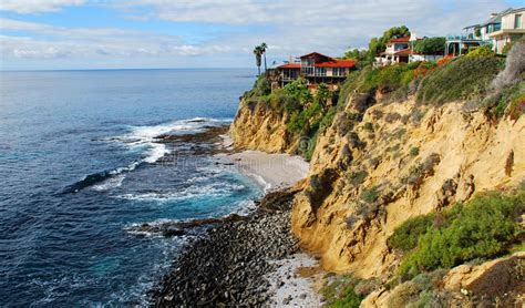 americas home place the bay pointe b dream house cliff side homes in laguna beach california stock image