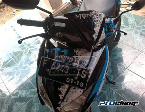 Decal Vario 125 150 Esp Ken Block Hoonigan modifikasi vario 125 pgm fi striping motif dc cutting sticker ken block 001 stiker