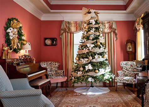 best holiday decorating ideas houzz decorating 2 traditional living room nashville by design by julie