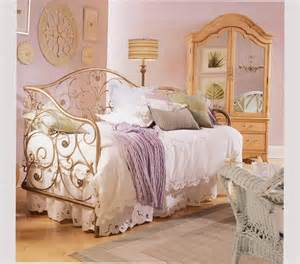 Vintage Bedroom Ideas For Small Rooms Vintage Bedroom Ideas For Small Room Or Extensive Room