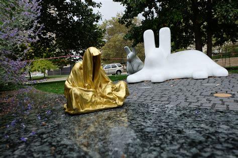 sculpture park st louis missouri guardians  time manfred