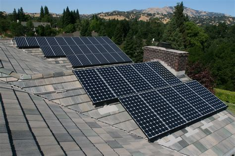 solar and roofing 2013 the year solar power in america finally hit its