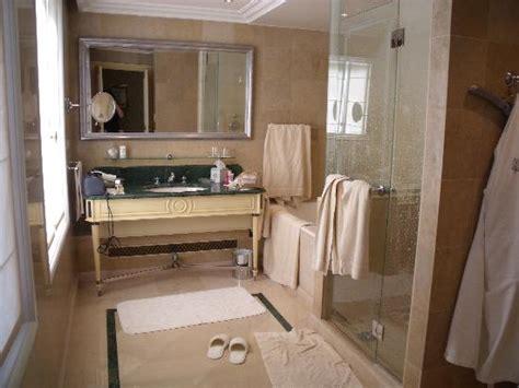 george bathroom spa photo de four seasons hotel george v paris paris