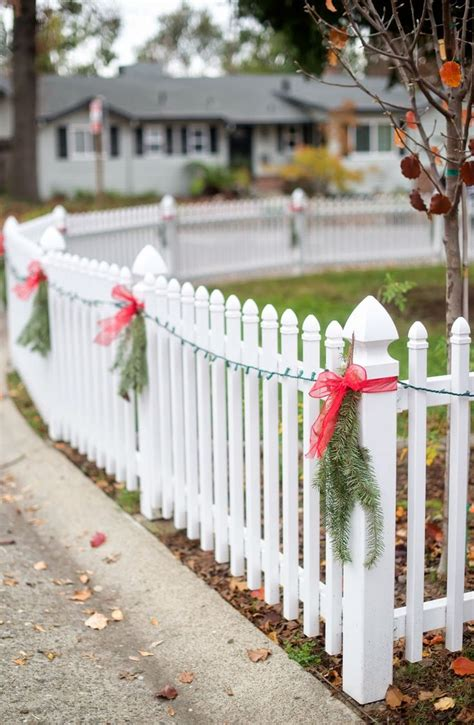 30 best christmas decorations on fences images on