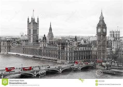 imagenes blanco y negro londres el parlamento de londres y ben grande foto de archivo