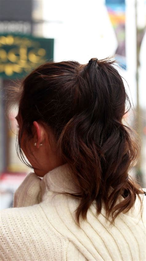 Hair Ponytails Wavy best 25 wavy ponytail ideas on curly ponytail