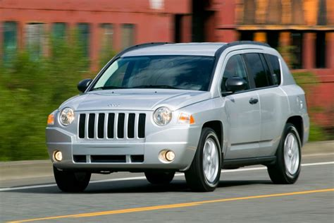 compass jeep 2010 2010 jeep compass overview cars com