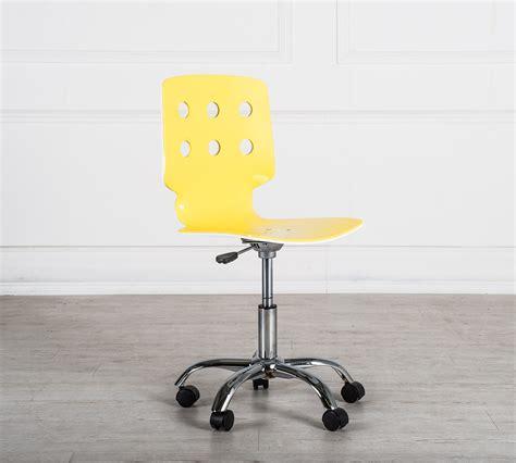 sedie con rotelle sedia con rotelle e gialla duzzle