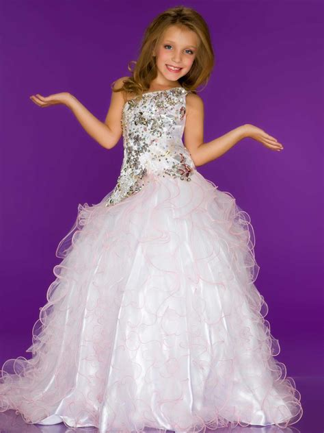 Pageant Dresses by Pageant Dress Buying Tips For Your Princess