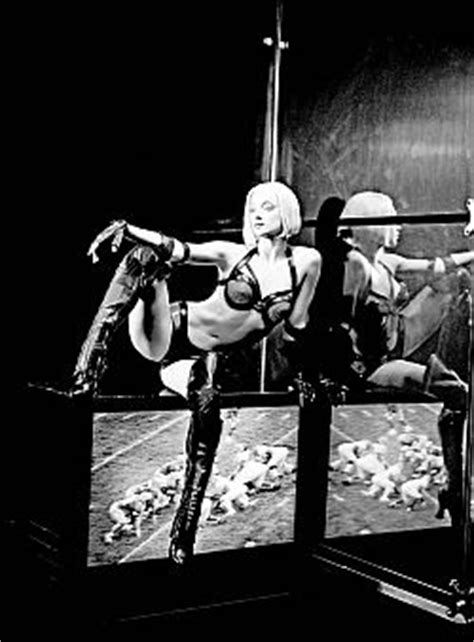 zumanity duo sofa review of zumanity by chuck rounds on igoshows com
