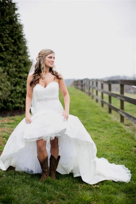 Wedding Dresses With Boots by Wedding Dresses With Cowboy Boots Naf Dresses