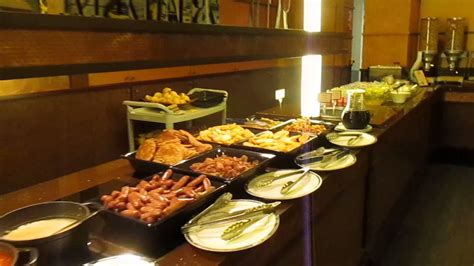 buffet breakfast at new york hotel disneyland paris france