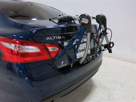 Nissan Altima Bike Rack by Nissan Altima Thule Gateway Xt 2 Bike Rack Trunk Mount Adjustable Arms