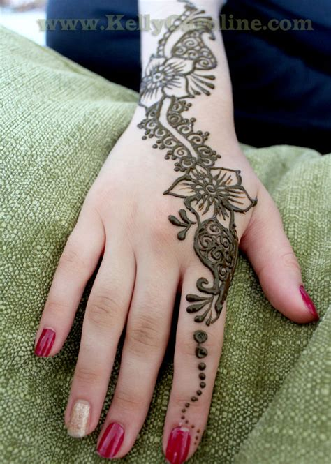 henna by kelly caroline arabic henna on the hands