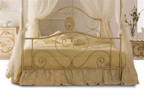letti a baldacchino in ferro battuto letto baldacchino pronta consegna materassi