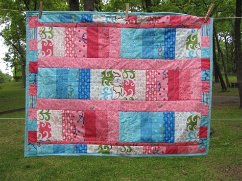 What Size Is A Baby Quilt by Baby Size Quilt Quilts