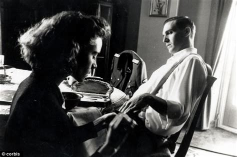 Ralph Fiennes Says That He Is The Victim by Amon Goeth Did Executed Murderer In Schindler S