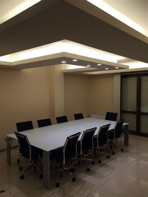 montare cartongesso soffitto progetto realizzazione soffitto illuminante idee