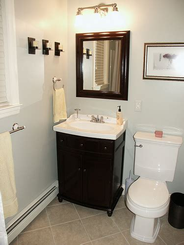 Easy Bathroom Makeover Ideas | pinterest simple bathroom decorating ideas with classic