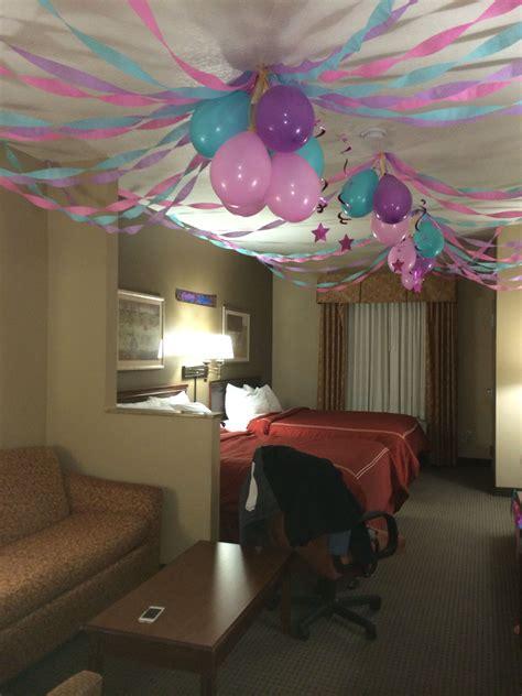 birthday party   hotel room invertedballons