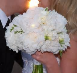white bouquet wedding bouquets white wedding bouquets