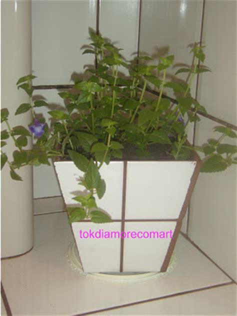 restos de azulejos tokdiamorecomart vaso feito sobras de pisos e azulejos