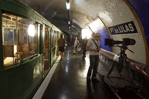 metro porte des lilas de spookstations de parijse metro squiggles
