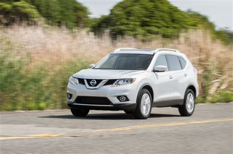 nissan awd sedan 2014 nissan rogue sl awd long term arrival motor trend