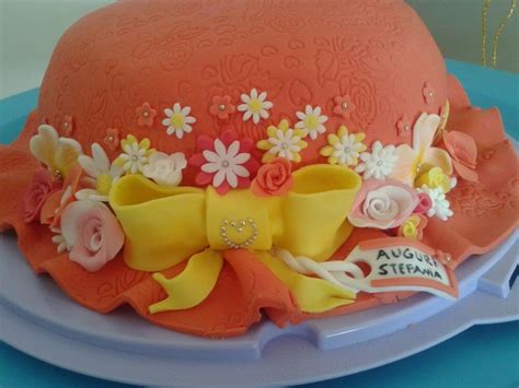 pasta di zucchero fiori torta decorata di compleanno a forma di cappello con fiori