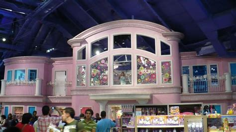 barbie house toys r us barbie house foto di toys r us times square new york city tripadvisor
