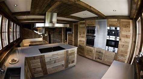 Log Cabin Bedroom Decorating Ideas luxueux refuge de ski 5 233 toiles au coeur des alpes suisses