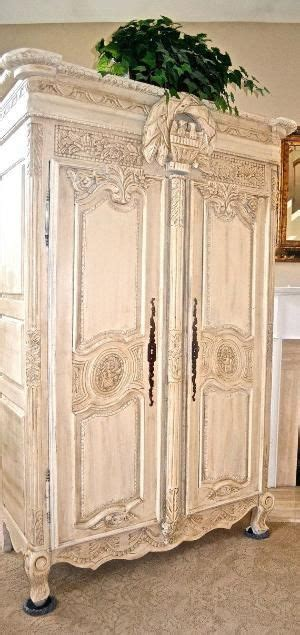 Armoire Patinée by Best 25 Armoire Ideas On