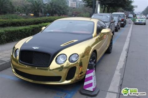 bentley chinese gold black bentley continental supersport spotted in china