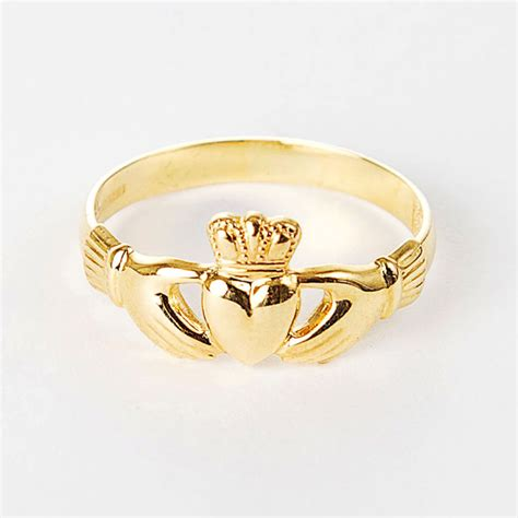 9ct gold claddagh ring moriartys authentic gift store