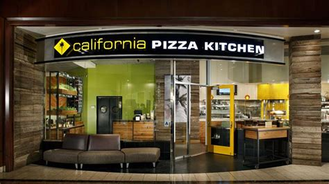 California Pizza Kitchen Mall by California Pizza Kitchen Retooling Its St Louis