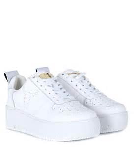 sneaker windsor smith racerr in pelle bianca con platform